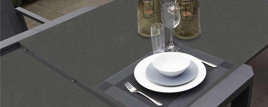 Cristal acabado piedra, el material en muebles de jardín de este 2017