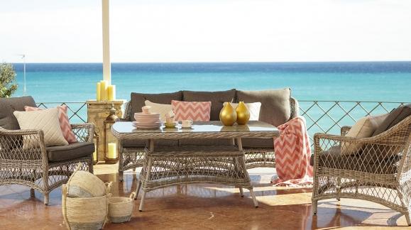Patio, porche o terraza, muebles en ratán
